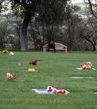Het treuren bij Begraafplaats Stock Foto's