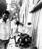 Het trillende straatleven van India stock afbeelding