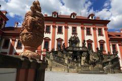 Het Trojapaleis is een Barok die paleis in Troja, het noordwestenstad wordt gevestigd van Praag (Tsjechische Republiek) Stock Afbeeldingen