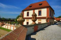 Het Trojapaleis is een Barok die paleis in Troja, het noordwestenstad wordt gevestigd van Praag (Tsjechische Republiek) Stock Foto