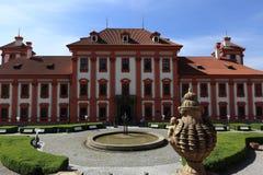 Het Trojapaleis is een Barok die paleis in Troja, het noordwestenstad wordt gevestigd van Praag (Tsjechische Republiek) Royalty-vrije Stock Foto