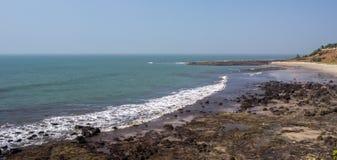 Het tropische panorama van het de zomerstrand Stock Afbeelding