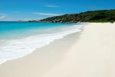 Het tropische strand van het paradijs stock afbeeldingen