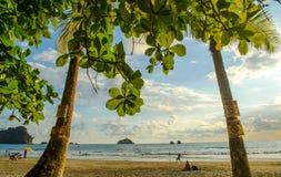 Het tropische strand van Manuel Antonio - Costa Rica stock foto's
