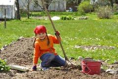 Het tuinieren van het meisje Stock Afbeeldingen