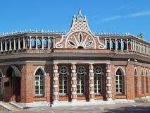 Het tweede cavaleriegebouw in het museum en de reserve van Tsaritsyno Stock Foto's