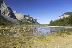 Het tweede Landschap Alberta Springtime Banff National Park Canadees Rocky Mountains van het Spookmeer royalty-vrije stock foto's