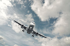Het tweeling vliegtuig van de straalmotorpassagier Stock Afbeelding