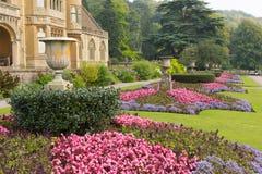 Het Tyntesfieldhuis dichtbij Bristol Somerset England het UK een toeristische attractie die mooie bloem kenmerken tuiniert en Vic Stock Foto