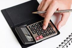 Het typen op calculator Royalty-vrije Stock Afbeelding