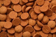 het typische Nederlandse die suikergoed van gembernoten ook wordt bekend als pepernoten of kruidnoten gegeten tijdens Sinterklaas Royalty-vrije Stock Afbeeldingen
