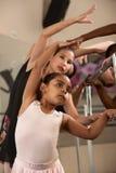 Het Uitoefenen van de Studenten van het ballet royalty-vrije stock afbeelding
