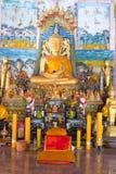 Het uitstekende gouden standbeeld van Boedha royalty-vrije stock afbeelding