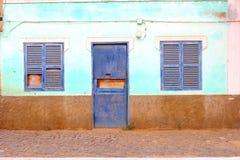 Het uitstekende huis van de grunge retro voorgevel, Kaapverdië, Afrika Royalty-vrije Stock Fotografie