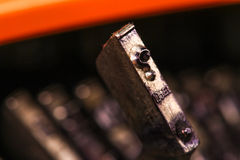 Het Uitstekende karakter of de brief macros van het Schrijfmachinevraagteken Stock Fotografie