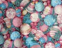 Het uitstekende Linnen van Kerstmis met Ornamenten Royalty-vrije Stock Foto's