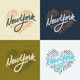 Het uitstekende ontwerp van de de t-shirtkleding van New York met de hand geschreven Royalty-vrije Stock Foto's