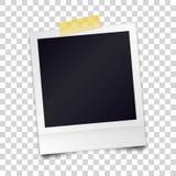 Het uitstekende realistische fotokader sticked met plakband op een RT stock illustratie