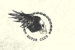 Het het uitstekende Teken en Etiket van de Motorclub met ketting, schedel, helm en vleugel Embleem van fietsers en ruiters royalty-vrije illustratie