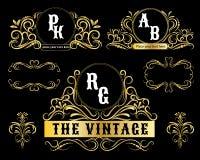Het uitstekende Vector Gouden decoratieve kader van embleemmalplaatjes Stock Fotografie