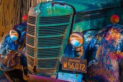 Het uitstekende verouderd en gedreven ontwerp van vrachtwagencirca 1931 meer dan 900.000 mijlen Royalty-vrije Stock Afbeeldingen