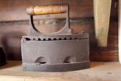 Het uitstekende Vlakke Ijzer van de houtskool Stock Afbeeldingen