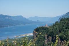 Het Uitzichthuis van het kroonpunt van het vooruitzicht bij het Forumpark van de Vrouwen van Portland in Oregon stock fotografie
