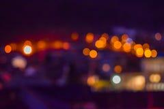 Het vage beeld van kleurrijk defocused bokeh Lichten motie en nachtlevenconcept Elegante Achtergrond stock foto's