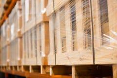 Het vage fabriekspakhuis schort op Stock Fotografie