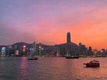 Het vallen van de avond in Hong Kong stock foto's