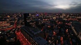Het vallen van de avond over Londen stock footage