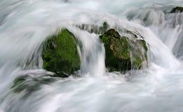 Het vallen van het water Royalty-vrije Stock Fotografie