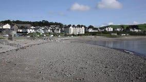 Het van het Noord- cricciethstrand gevestigde zuiden van Wales het UK van Caernarfon in de zomer stock footage