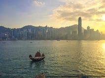 Het varen aan Hong Kong Island Stock Foto's