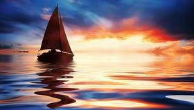 Het varen bij zonsondergang Stock Fotografie