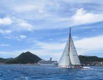 Het varen in de Caraïben Stock Afbeeldingen