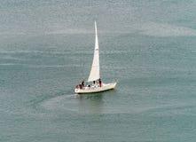 Het varen in een koude dag Royalty-vrije Stock Fotografie
