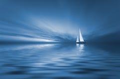 Het varen en zonsondergang Royalty-vrije Stock Afbeelding