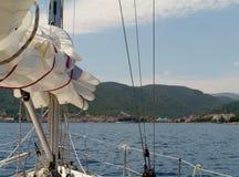 Het varen in het Adriatische overzees pof Kroatië royalty-vrije stock afbeeldingen