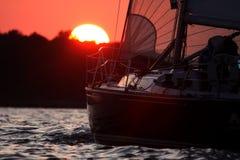Het varen in het Geluid van Salem royalty-vrije stock afbeelding