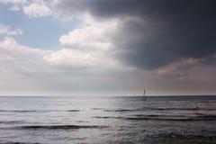 Het varen in het licht Royalty-vrije Stock Foto