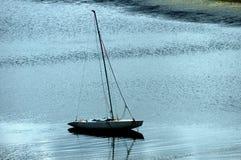 Het varen op het meer royalty-vrije stock fotografie