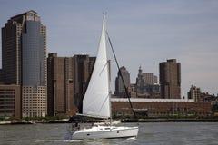 Het varen op Hudson Stock Foto's
