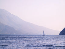 het varen op Lago Di Garda Royalty-vrije Stock Foto's