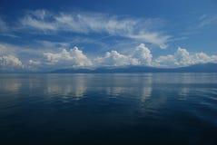 Het varen over het Adriatische overzees Stock Foto's