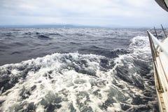 Het varen regatta in de open zee yachting Reis stock afbeelding