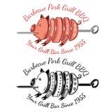 Het varkensvlees van de grillplak op roosteren-hefboomkleur en zwart BBQ etiket Royalty-vrije Stock Afbeeldingen