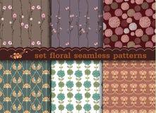 Het vastgestelde bloemen naadloze patroon Naadloze patroon kan voor wal worden gebruikt Stock Fotografie