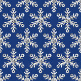 Het vector naadloze vakantiepatroon met zilver schittert sneeuwvlokken Royalty-vrije Stock Foto's