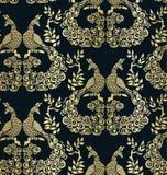 Het vector van het het patroon naadloze patroon van de vogelpauw donkere goud vector illustratie